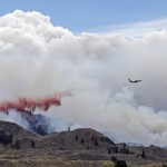 Incendio forestal destruye viviendas en Washington