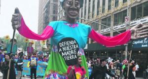 Activistas marchan contra el cambio climático