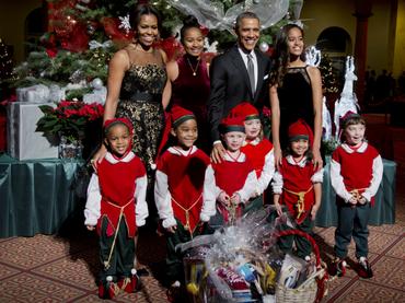 Los Obama asisten a concierto navideño de caridad