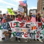 Niños de EU marchan contra la deportación de sus padres