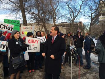 Podría inmigrante mexicano ser electo alcalde de Chicago