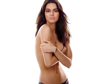 Kendall Jenner aparece 'topless' en la revista 'GQ'