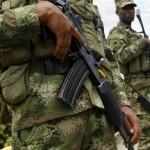 Combates dejan más de 300 desplazados en sur de Colombia