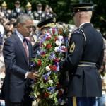 Obama rinde tributo a soldados muertos en el Día de los Caídos