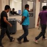 ICE: Activistas LGBT dudan de eficacia de nueva guía sobre inmigrantes transgénero