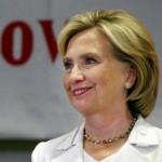 Encuesta revela desplome de imagen de Hillary Clinton