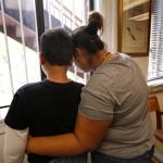 Acusan a ICE de ejercer coerción sobre madres detenidas para que acepten grilletes electrónicos