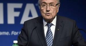 Joseph Blatter pide más mujeres en FIFA