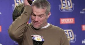 Brett Favre quedó inmortalizado como legendario de los Packers en el Lambeau