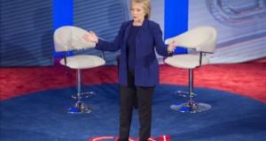 """Hillary Clinton defiende su """"progresismo"""" ante las acusaciones de Sanders"""