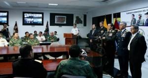 Correa anuncia la destitución del Alto Mando de las Fuerzas Armadas de Ecuador
