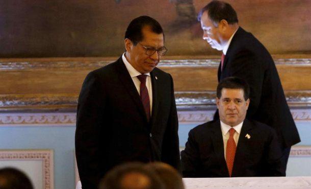 Cartes toma juramento al nuevo ministro de interior el for Nuevo ministro del interior 2016